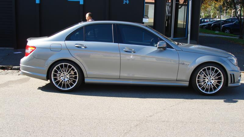 2010 mercedes benz c63 amg edition 63 c63 2115 for Mercedes benz c63 amg 2010